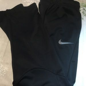 Nike Dri-Fit Boy Youth XL Paints Black